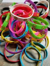 Vending Machine 100 Capsule Toys Resell 50 Rubber Emoji Bracelets Colorful