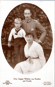 Prinz-August-Wilhelm-von-Preussen-und-Familie-Vintage-silver-print-Auguste-Gui