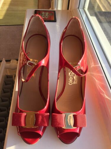 Collectible bow Ferragamo Patent Mood Red Pump Mary Salvatore Jane rare ZXqzUWw