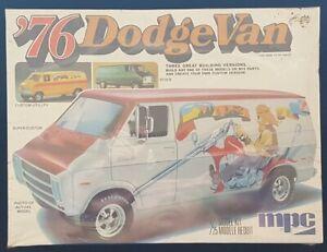 MPC-76-Dodge-Van-1-25-Model-Kit-1-7622-NEW-FACTORY-SEALED