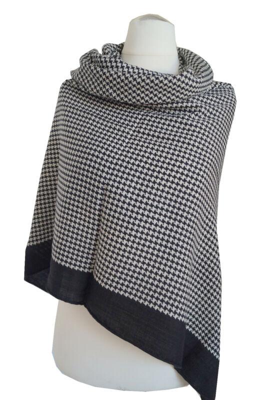 Wunderschönes Damentuch aus Seide-Kaschmir-Wolle 128x128cm Handrolliert.