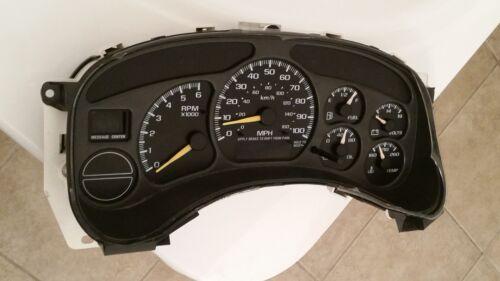 1999-02 Chevy Tahoe Silverado Yukon Instrument Cluster Speedometer Cluster