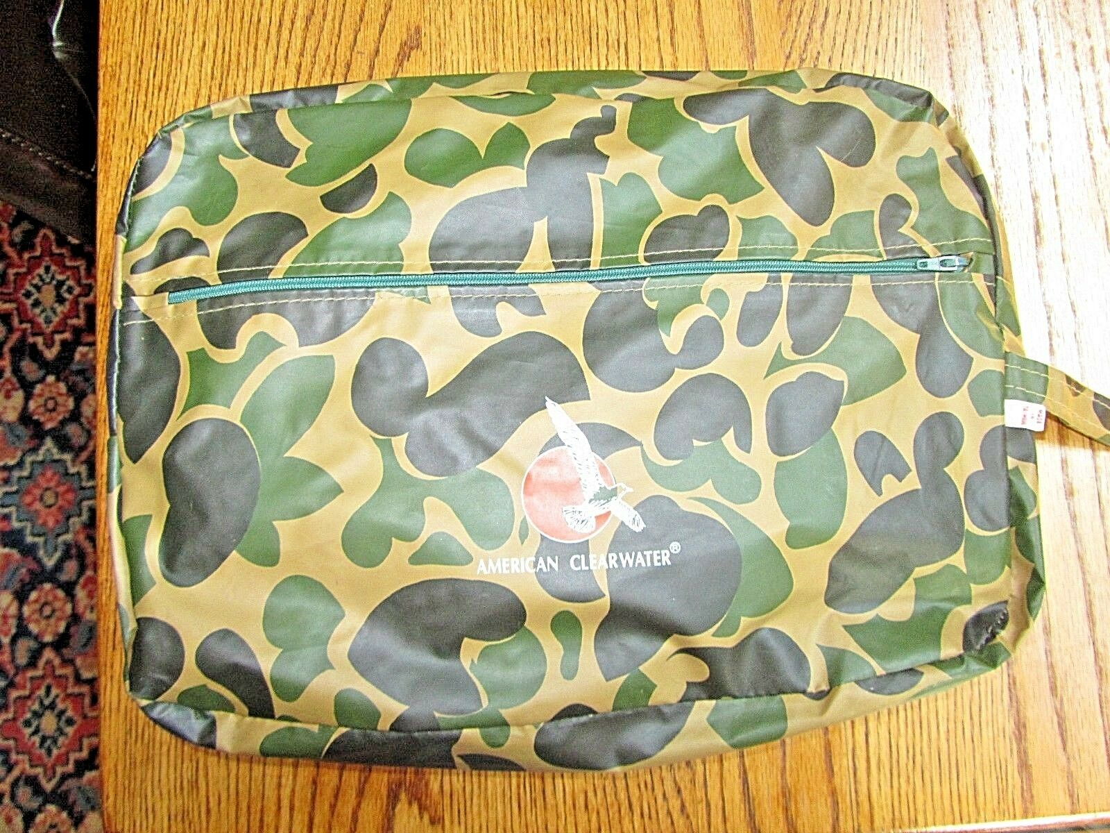 HUNTING CAMOUFLAGE RAIN WEAR GEAR 3 PC SET IN TRAVEL BAG-NEVER USED-LARGE