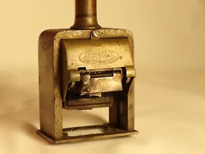 Vintage-Antique-Apex-Automatic-Numbering-Counter-Number-Stamp-Machine