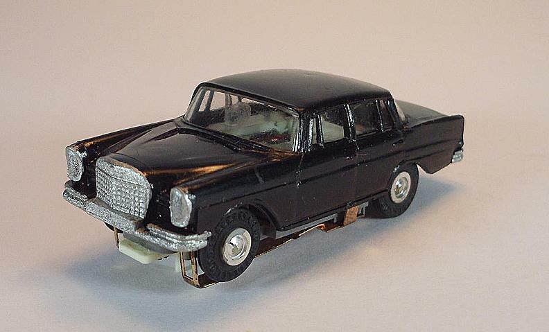 Slot Car Faller AMS Nr. 4801 Mercedes 220 schwarz silberne Fel. Blockmotor  556