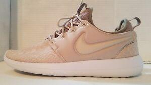 Nike – W Roshe Two Se Womens Shoes OatmealOatmeal Khaki White