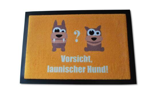 Die witzige Fußmatte launischer Hund