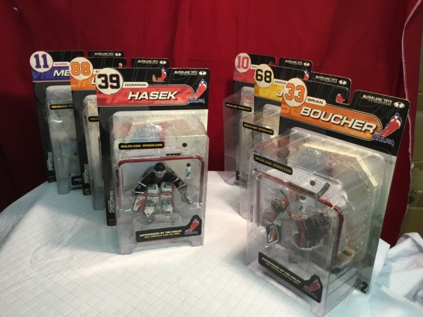 Mcfarlane toys NHLPA series 2 complete set of 6 Hasek,Messier,lindros,Jagr,Bouch