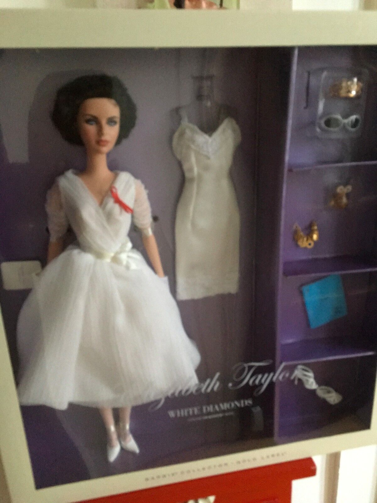 Elizabeth Taylor bianca Diamonds Silks Tono Barbie