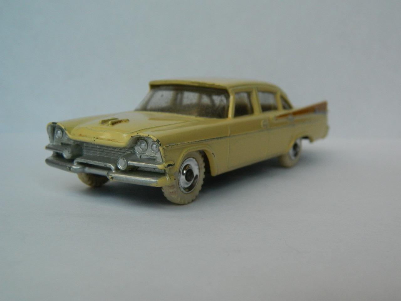Dinky toys meccano vintage modele Cream & Tan Dodge Royal Sedan No. 191 1959-64