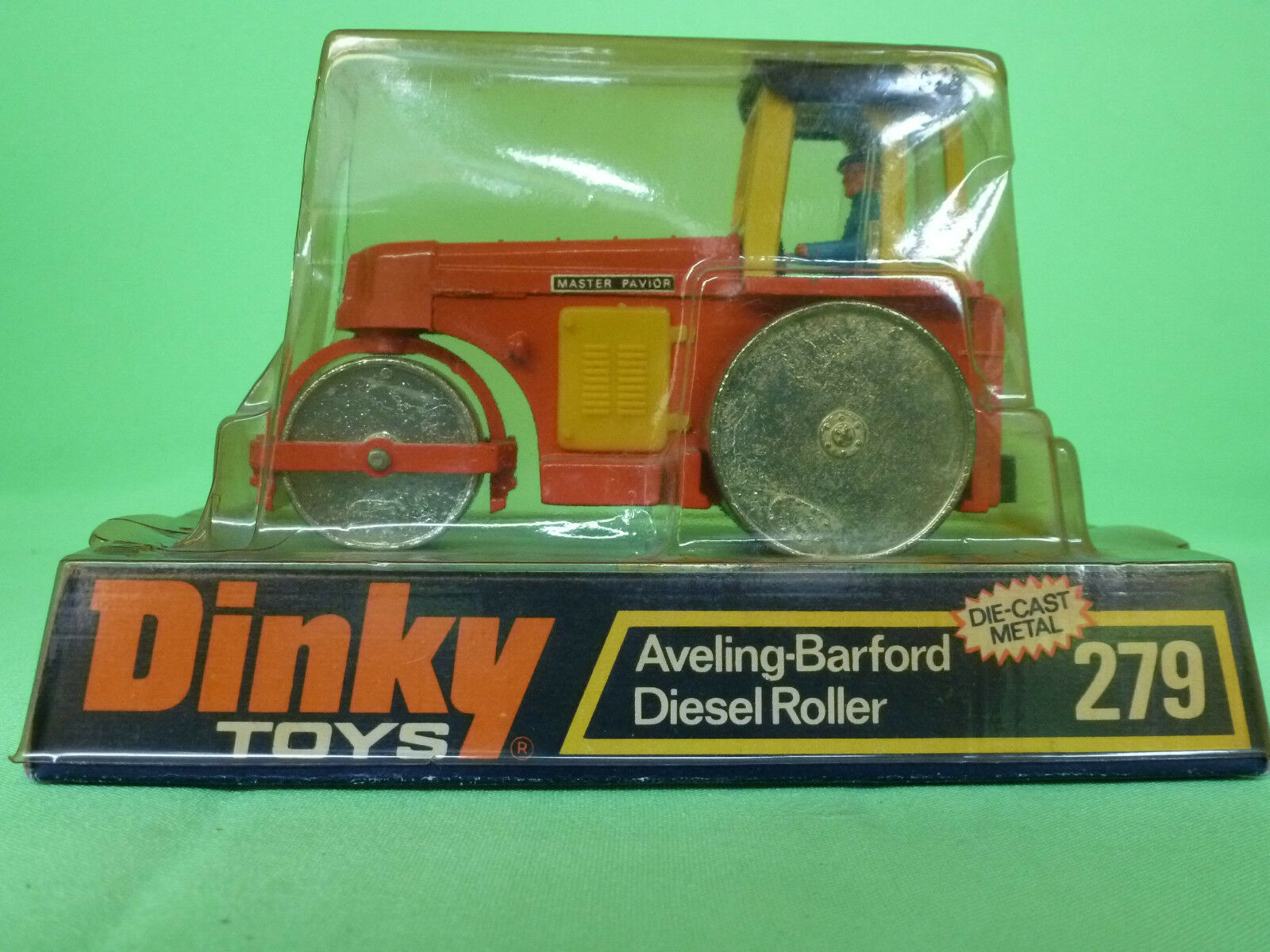 DINKY TOYS    279    AVELING BARFORD DIESEL ROLLER     IN EXCELLENT CONDITION  nouvelle marque