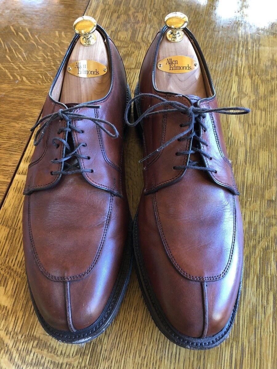 Men's Allen-Edmonds  Walton shoes Size 10.5 E  Excellent Shape and Comfort