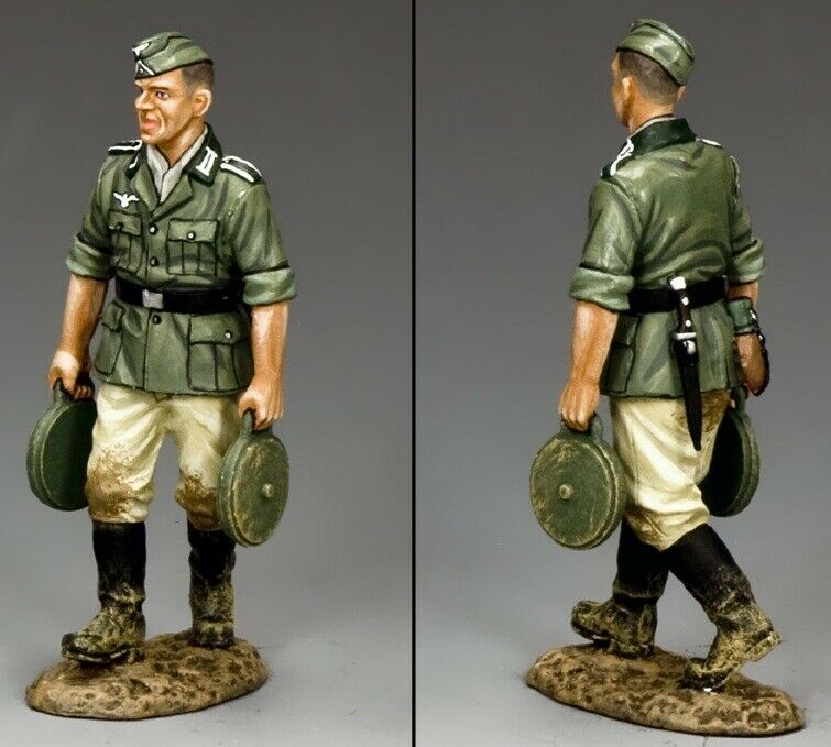 KING & COUNTRY WW2 GERMAN ARMY WH026 ENGINEER WITH LAND MINES MIB