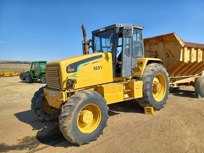 Bell 1226 Tractor 4x4