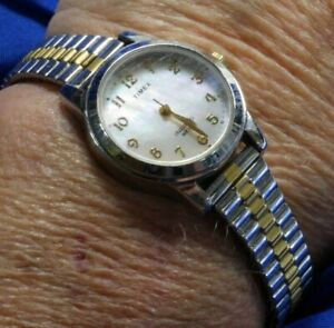 TIMEX INDIGLO T 33 SILVER &  GOLD TONE LADIES STRETCH BAND Watch FRESH BATTERY