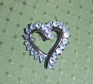 Dazzling-Clear-Rhinestone-Heart-Brooch
