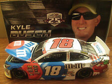 Kyle Busch 2016 M&M's Red White & Blue 1/24 NASCAR SPRINT CUP