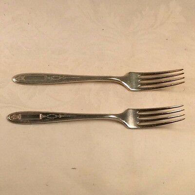 """Community//Oneida Two 9 3//4/"""" Luncheon Knives 2 1921 Grosvenor Silver Plated"""