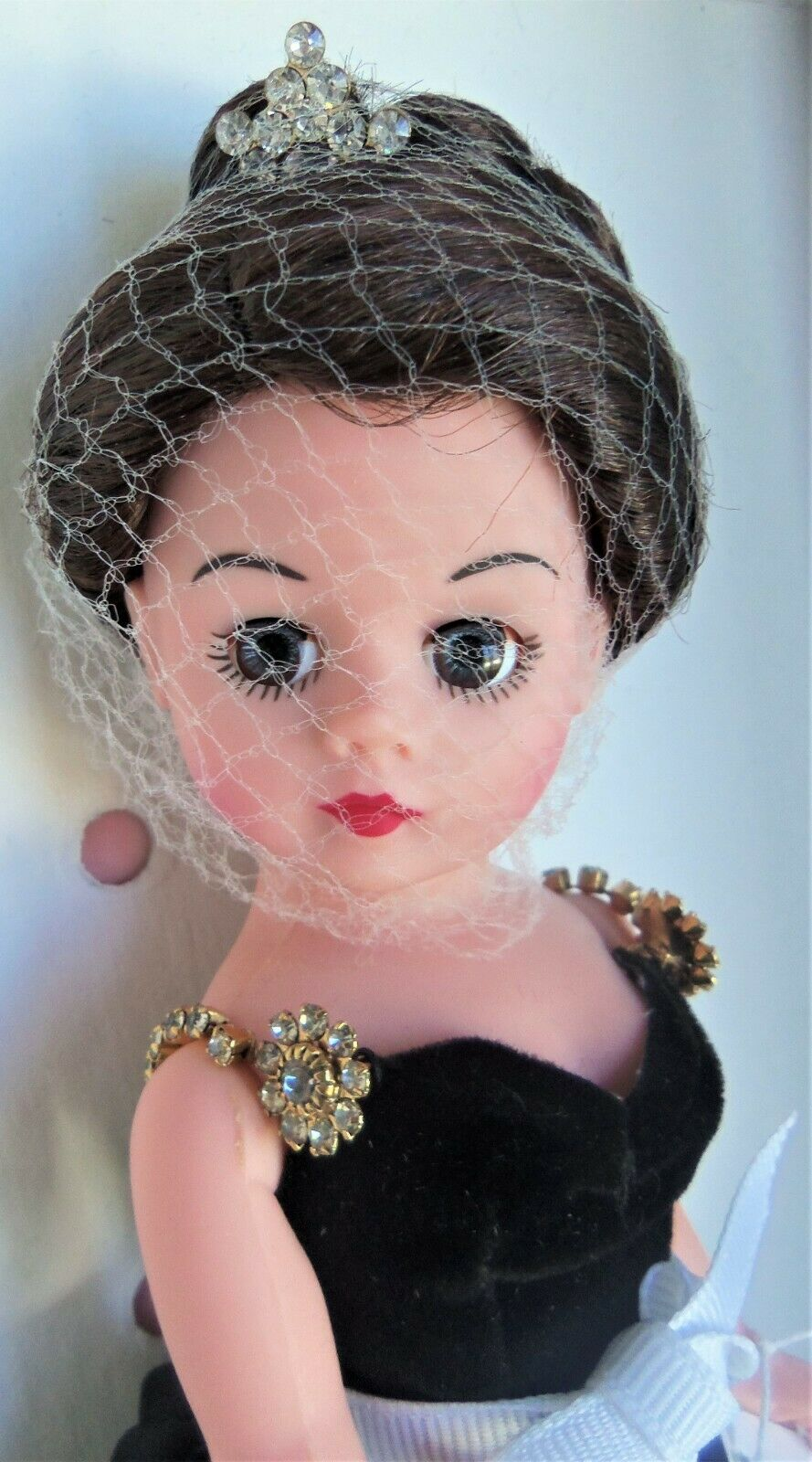 Madame Alexander 10  MADAME X Doll  25300, painting by John Singer SSilber MIB