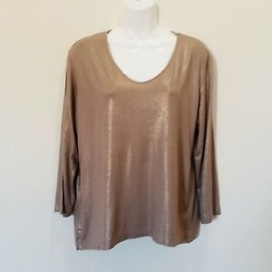 Chicos-Womens-Top-Size-2-Beige-Gold-Shiny-Stretch-Long-Sleeve-Scoop-Neck-Blouse