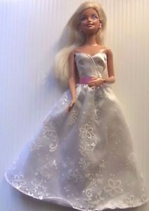 Barbie-doll-Blonde-Hair-1-bent-arm-amp-bendable-hand-hard-long-white-evening-gown