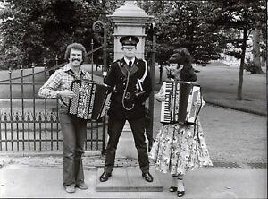 Die-Kirmesmusikanten-Vintage-Press-Photo-Photo-Norbert-Unfried-U-5333