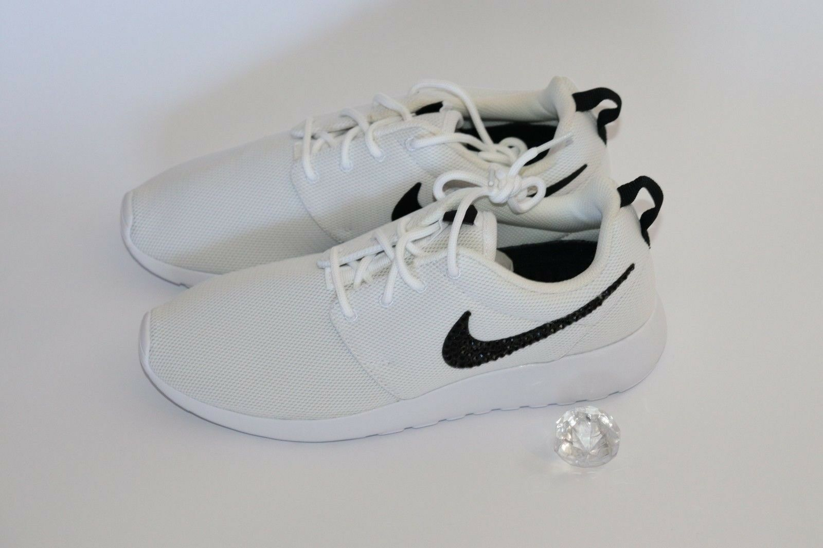 Custom blanc Nike Roshe One, Authentic, Bling, Swarovski Crystals, FREE SHIPPING