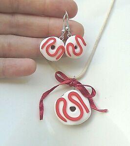 Parure-DONUTS-en-Fimo-Collier-pendentif-Boucles-oreilles-Idee-cadeau-Gourmand