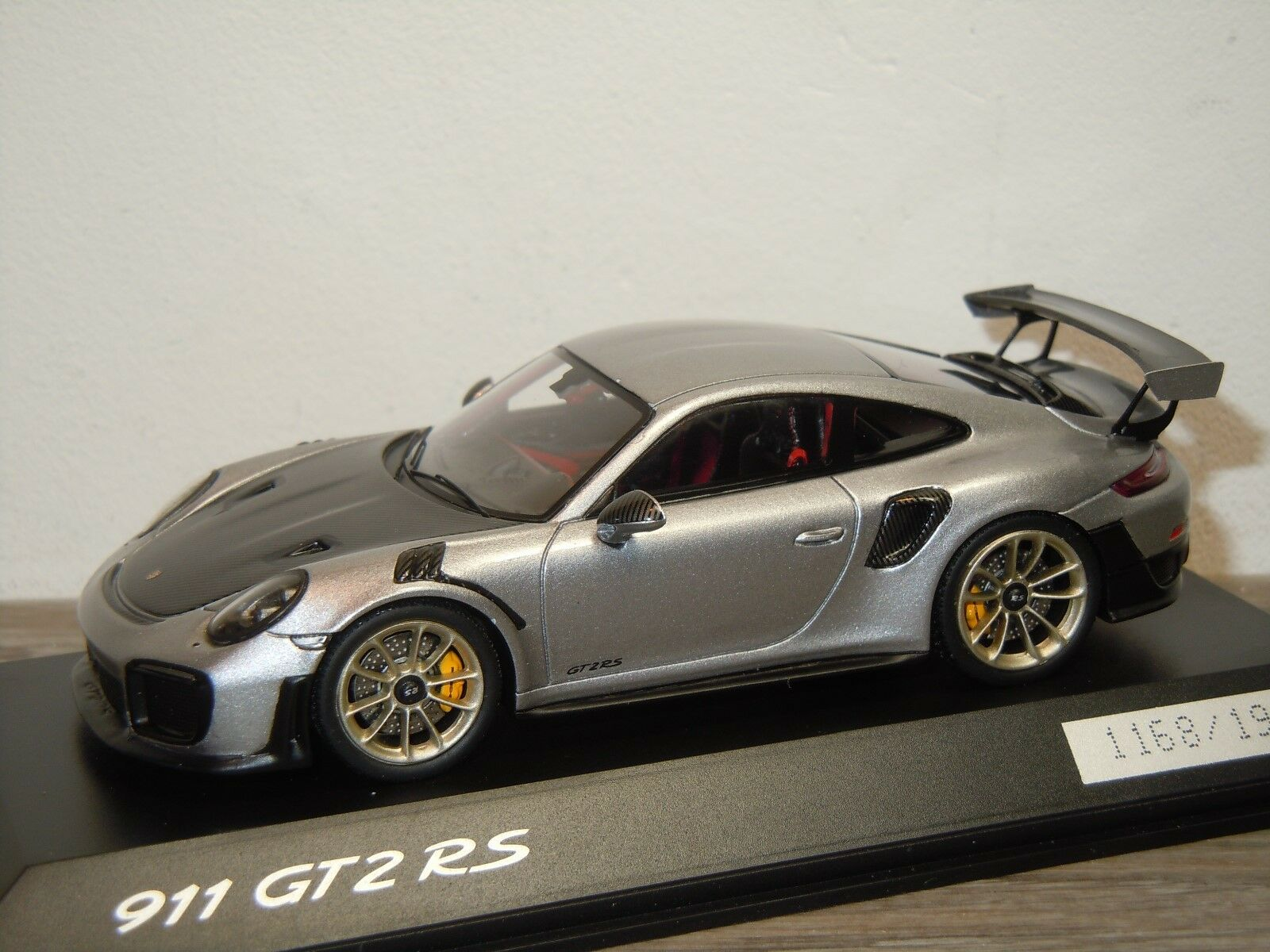 Porsche 911 991 GT2 RS 2017 - Spark 1 43 in Box 35919