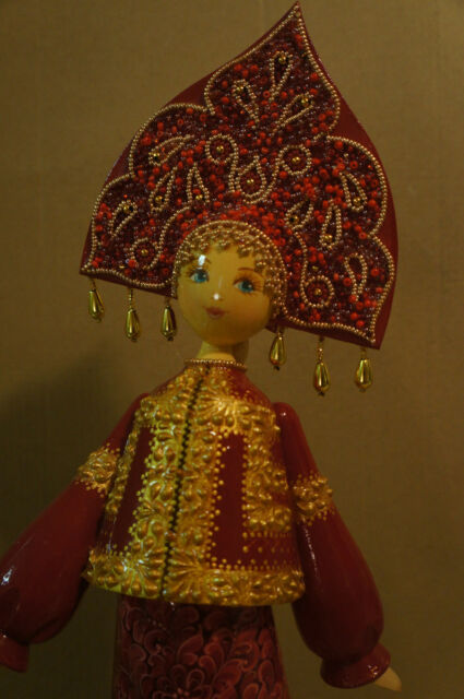 "New ""Russian Matryoshka"" Hand-Made Linden Wood Doll - #10"