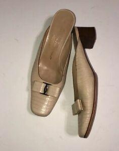 Vintage salvatore ferragamo shoes women