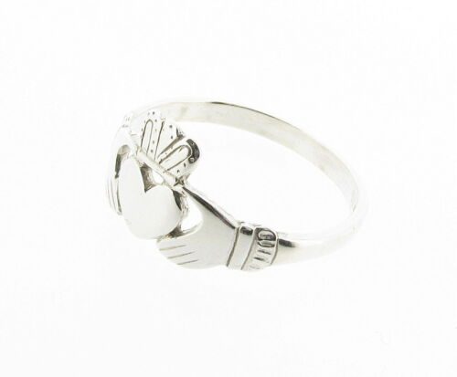 Loyalty Made in UK RRP29.99 Friendship Ring Sterling Silver Claddagh Love