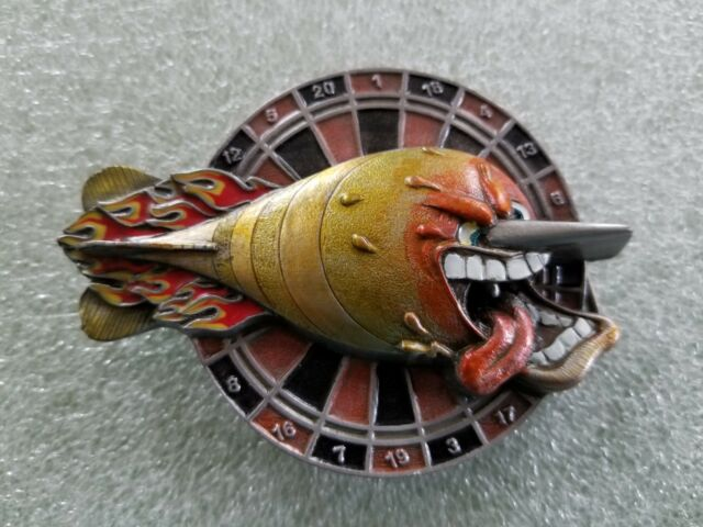 Vintage 1994 Comical Dart on Dart Board Belt Buckle #V-77 Bergamot #941203