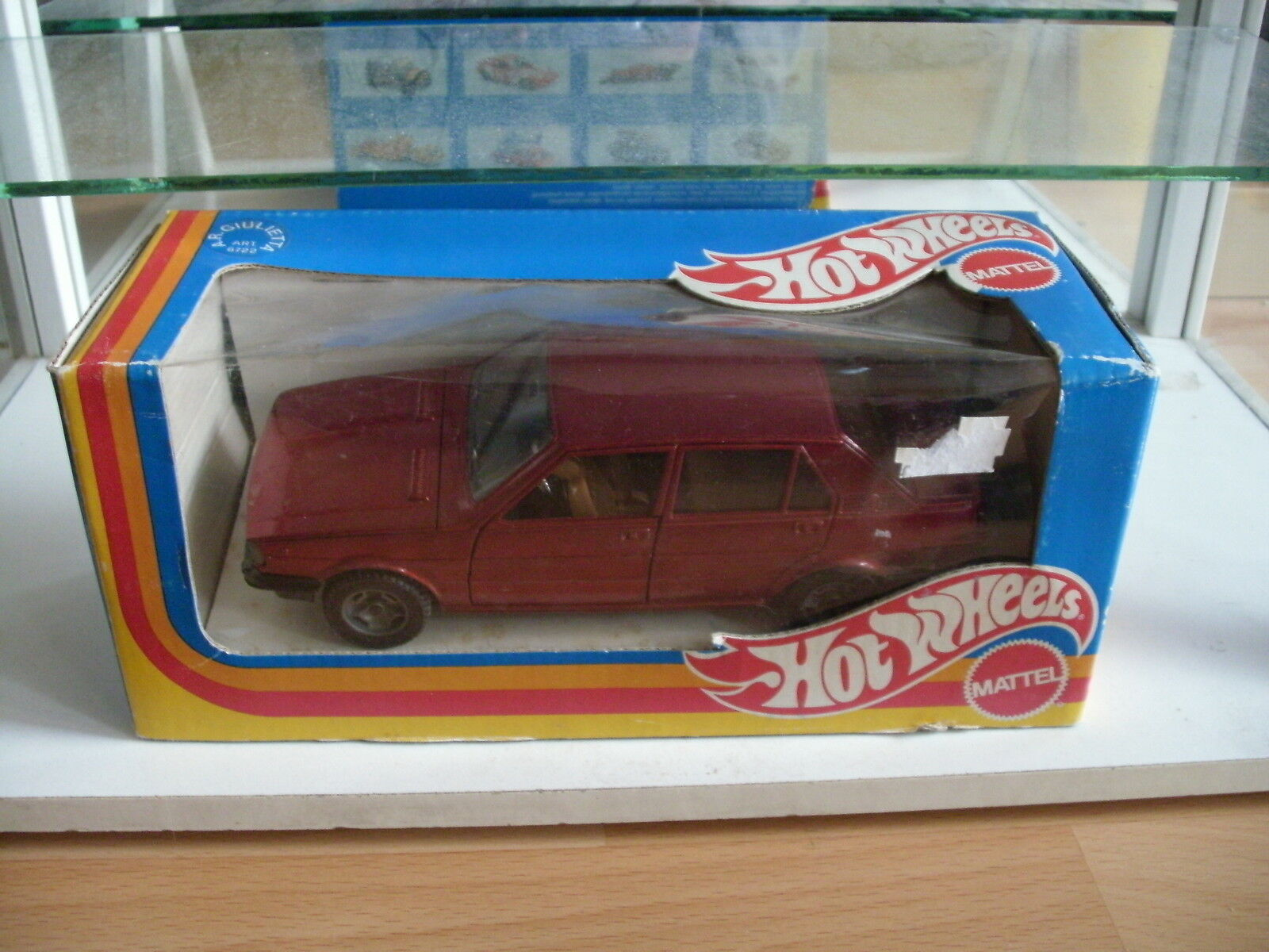 Mebetoys Hotwheels Alfa Romeo Giulietta in Dark Red on 1 25 in Box