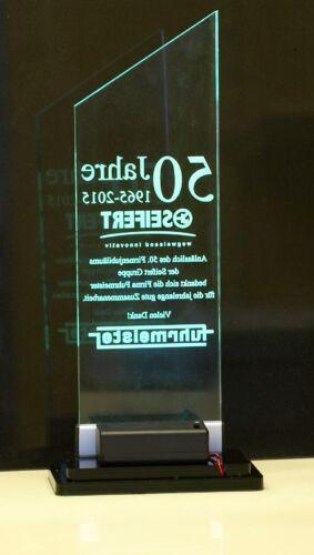 Acrylglas Trophäe LED beleuchtet Gravur Ehrung Pokal Cup Auszeichnung Preis