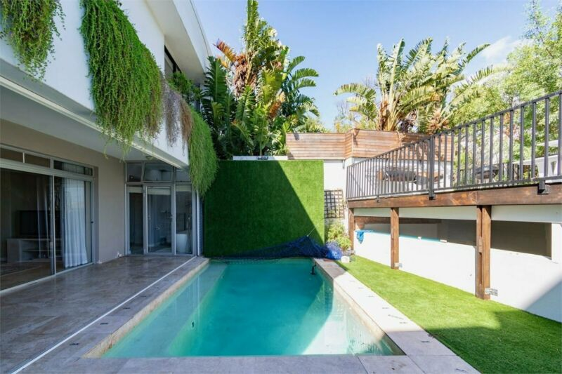 Sensational Camps Bay Opportunity
