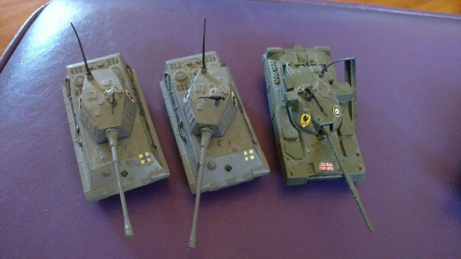 Lot of 5 Zylmex Military Tanks Rolling Rubber Treads Made in Hong Kong Diecast