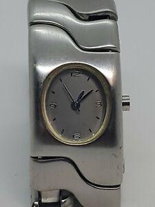 Timex-Women-039-s-Silver-Tone-Stainless-Steel-Metal-Bracelet-quartz-Watch-New-Batt