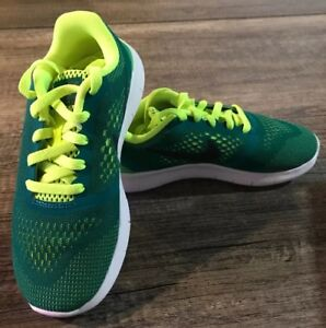 new product 69f18 093b1 Details about NIB Boys Teal Green Neon Yellow Nike Free Run Lace Up Tennis  Shoes Sneakers 13c
