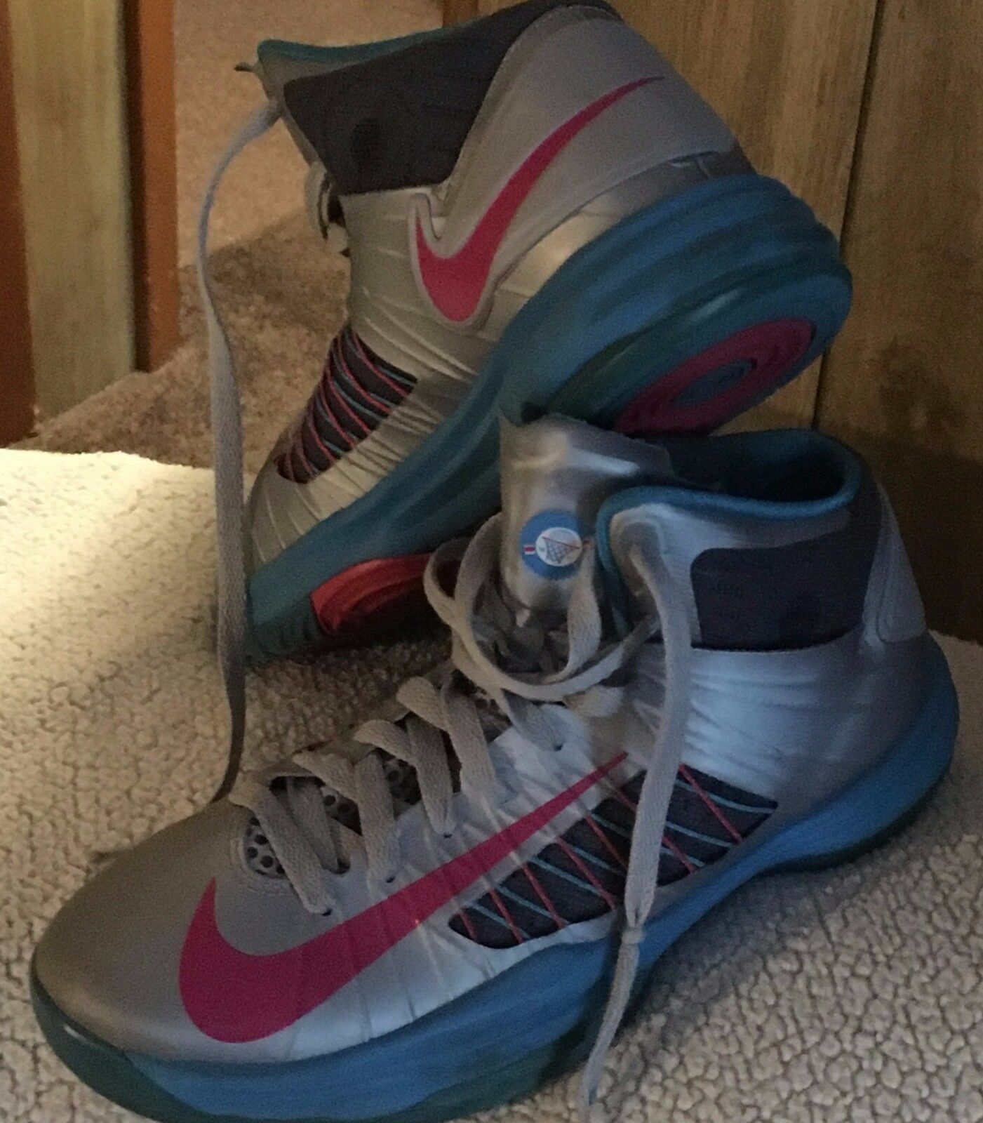 Nike 2012 Hyperdunk pink & Silver Basketball shoes, Sz 6 youth