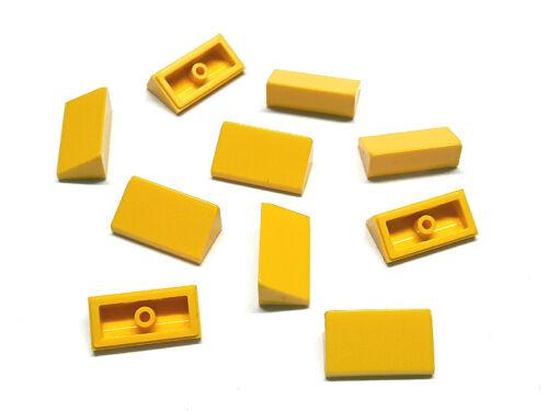 4550348 LEGO Dachstein 30 ° 1x2x2//3 Jaune 10 Pièces