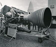 AÉROSPATIAL c. 1950 - Moteur Fusée Rocketdine US Air Force Thor Engine -DIV 5194