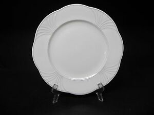 villeroy boch bone china mettlach piano 10 1 2 dinner plate new ebay. Black Bedroom Furniture Sets. Home Design Ideas