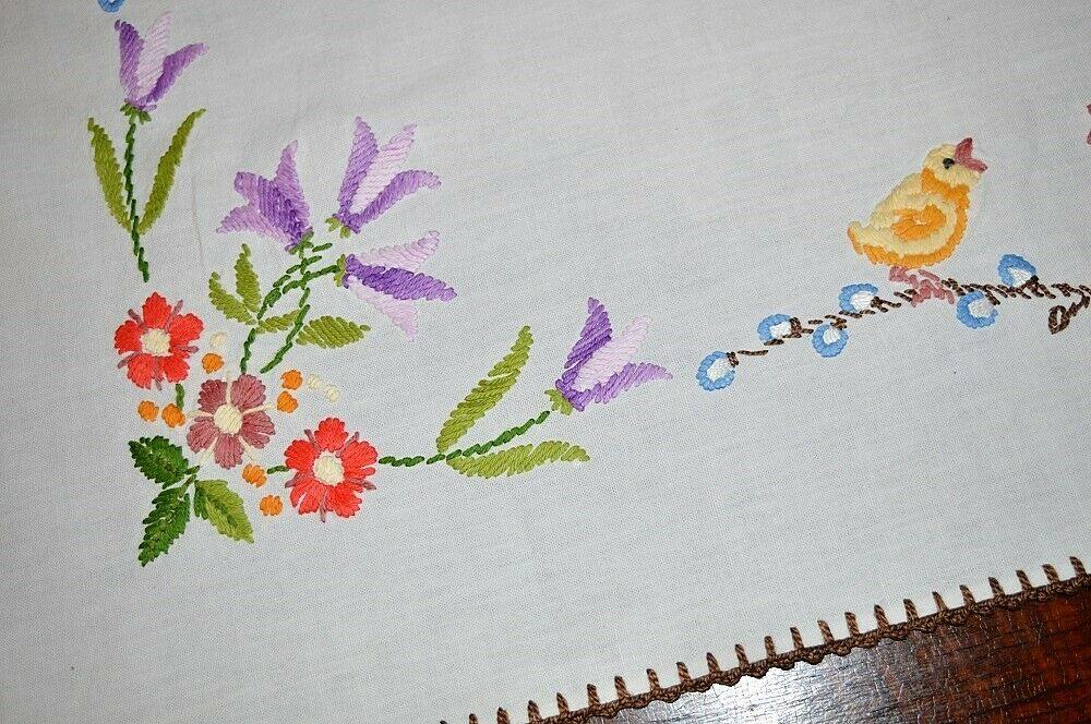Paques Poussins & Violet Tulipes  Vintage German printemps Nappe Crochet edte
