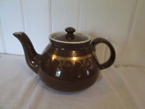 ETB-80-AMERICAN-POTTERY-HALL-6-CUP-TEAPOT-brown-with-gold-trim-3-1-2-4-cups