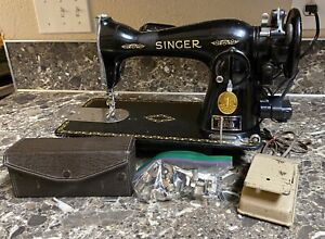 Singer-15-91-Sewing-Machine-1949-w-Foot-Pedal-Accessories-Vintage-Tested-Works