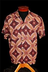 VERY-RARE-1940-039-S-WWII-ERA-VIVID-RED-amp-BLACK-SILKY-RAYON-PRINT-SHIRT-SIZE-LARGE