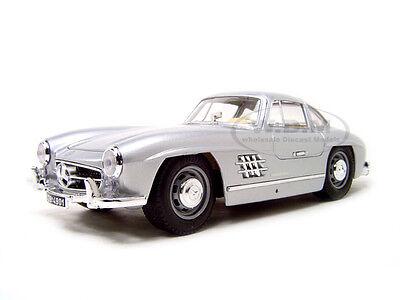 1954 MERCEDES 300 SL GULLWING SILVER 1:18 DIECAST MODEL CAR BY BBURAGO 12047