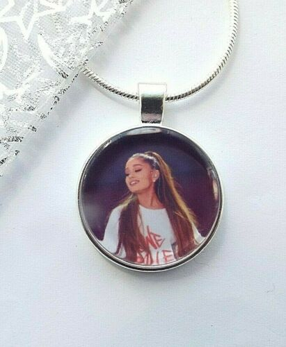 20 ARIANA GRANDE NECKLACE DANCE POP MUSIC GIFT BOXED 18 22 INCH  CHAIN