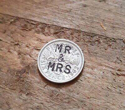 """""""mr & Mrs"""" Vintage Fortuna Sei Pence Moneta Ciondolo Charm Regalo Di Nozze Penny E-mostra Il Titolo Originale"""
